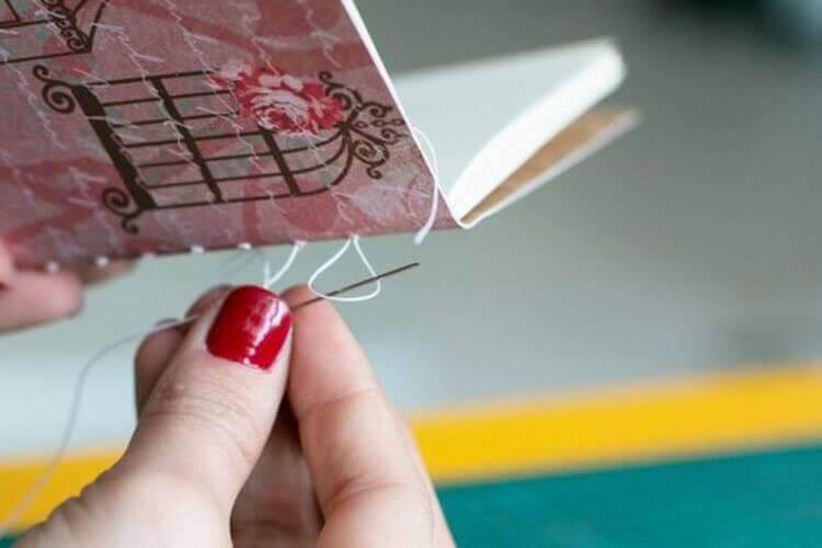Costurando o caderno