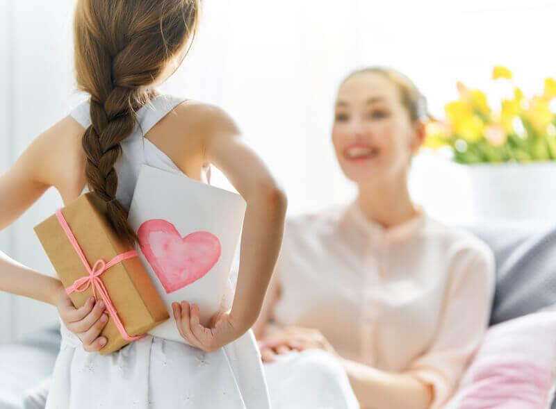 Dia das Mães: O que dar de presente para cada tipo de mãe?
