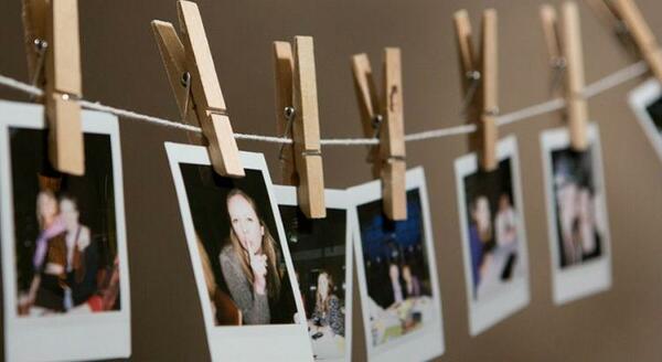 4 ideias de como fazer mural de fotos no seu quarto
